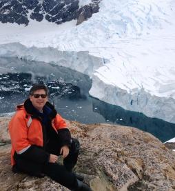 Adam High up glacier1